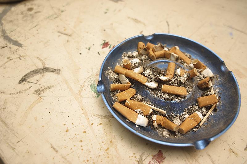 Cigarette Ash Tray