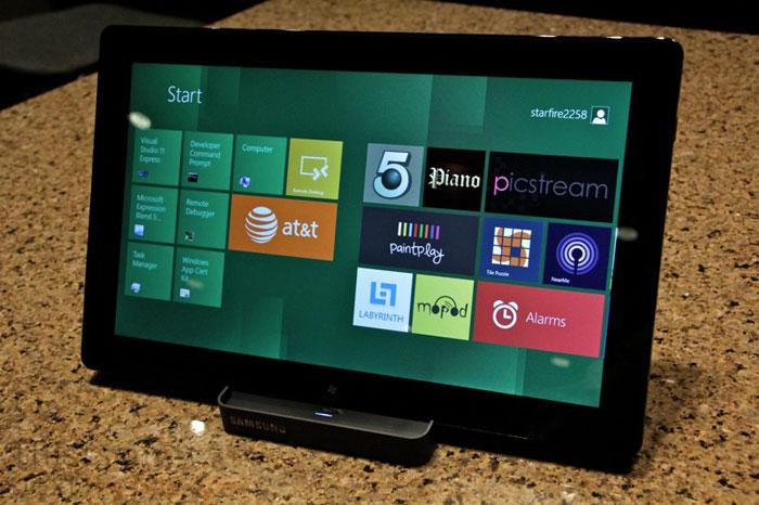 Windows 8: Metro Homescreen