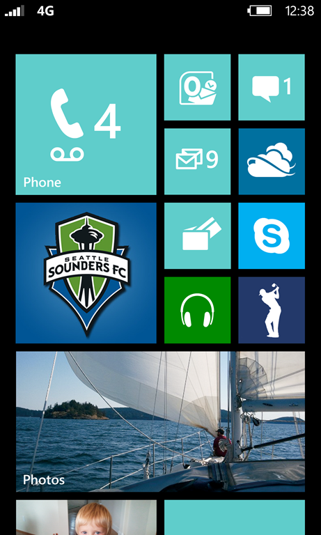 Windows Phone 8 Start Screen Blue