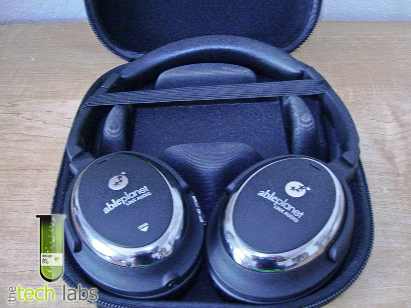 Sound Clarity (NC510B) Noise Reduction Headphones in storage case