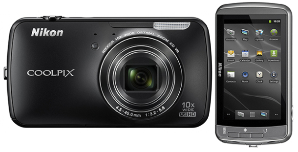Nikon Coolpix S800C in Black with Front and Back